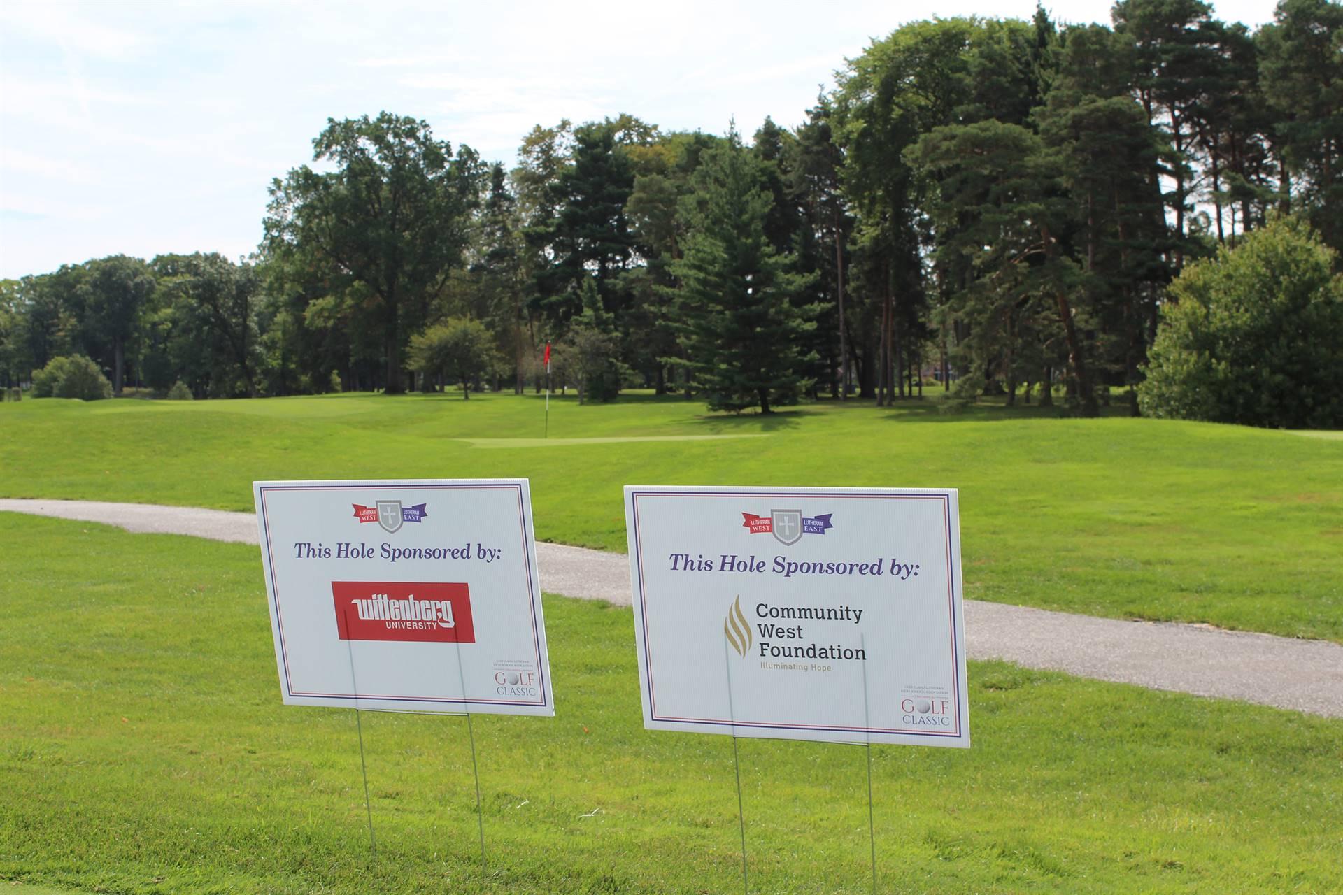 Sponsor-signs
