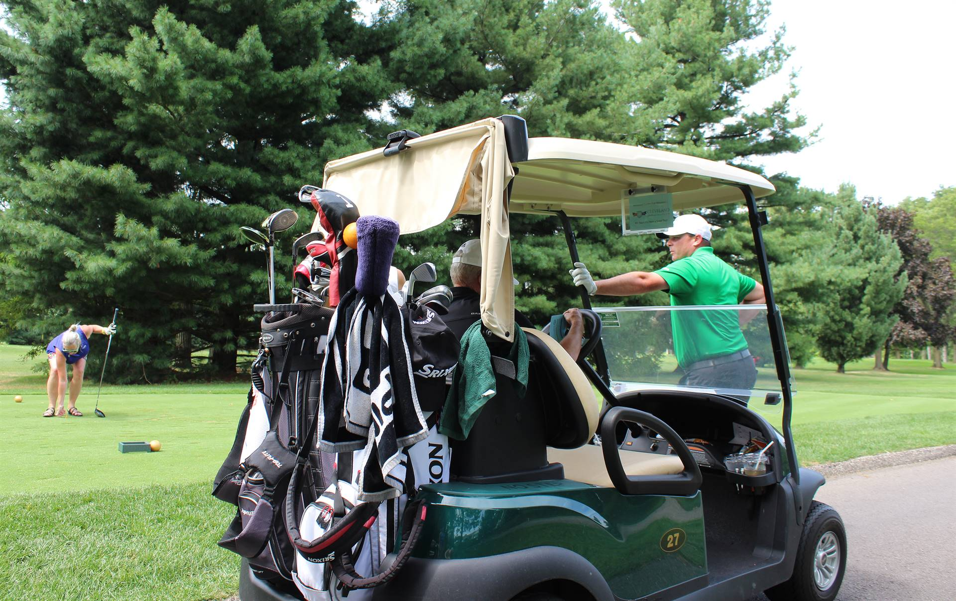 Golfers-at-Cart