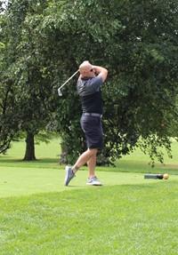Golfer-Tee